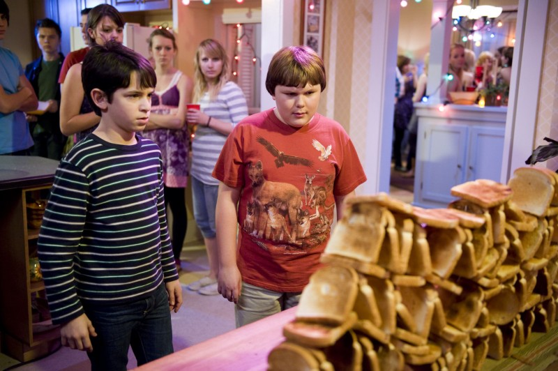 Diary of a Wimpy Kid: Rodrick Rules (2011) :: starring ...